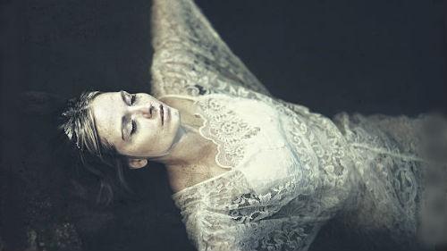 мертвая женщина во сне