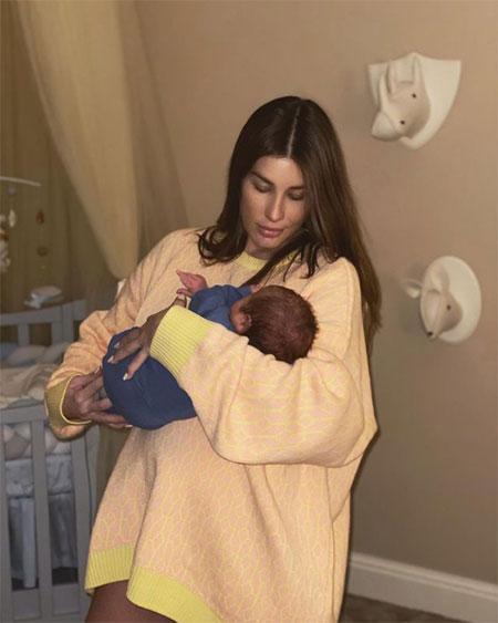 В ожидании чуда: знаменитости, которые станут мамами в 2021 году