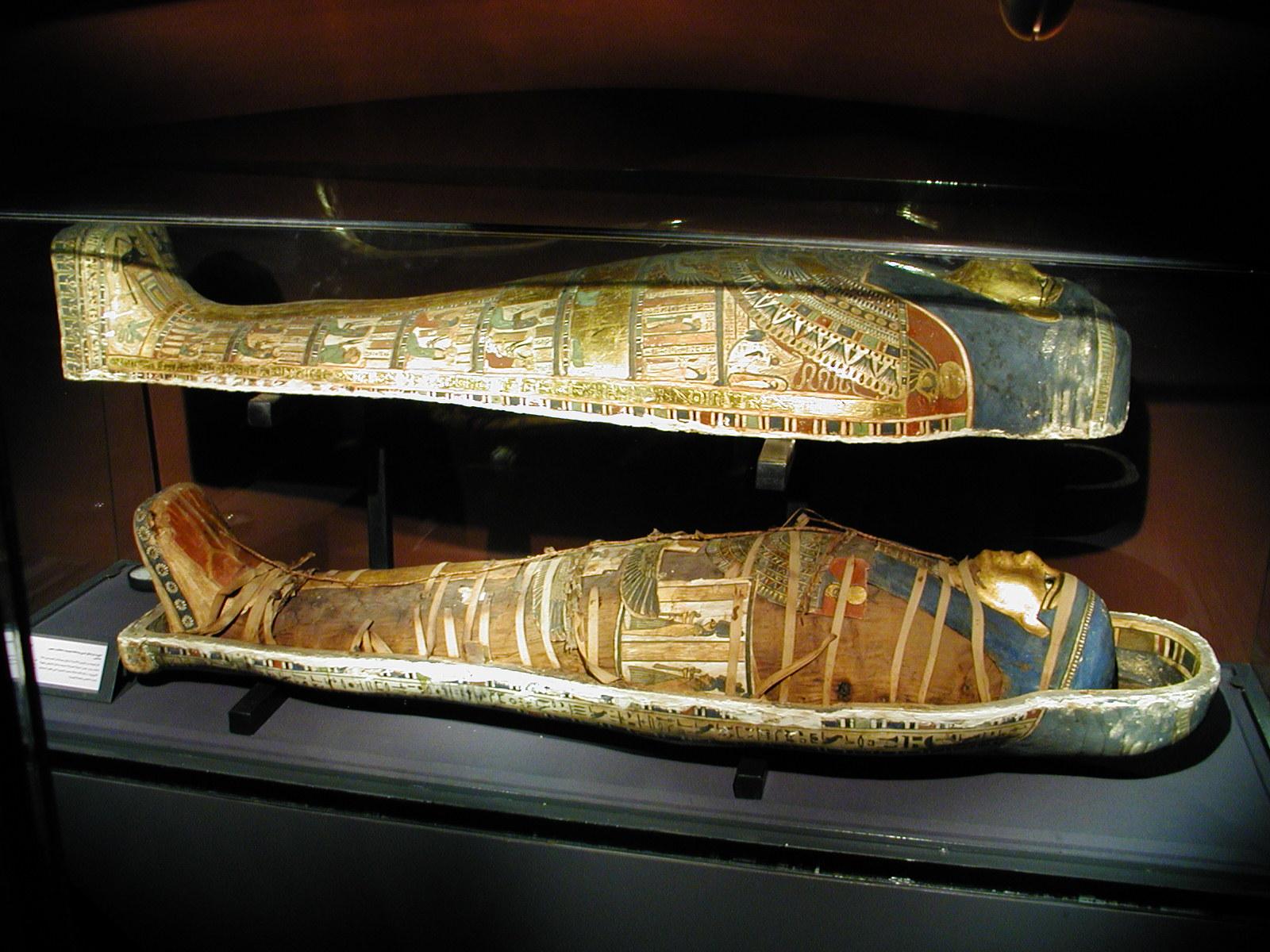 44630 Египетские мумии: как умерших заворачивали в бинты?