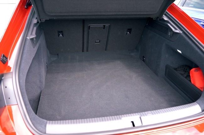 Volkswagen Arteon багажник лифтбека