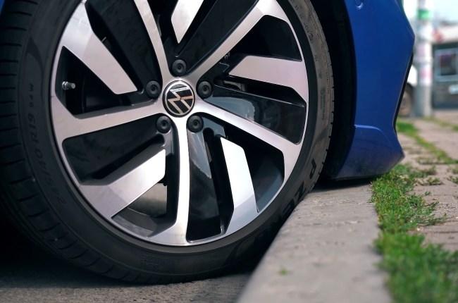 Volkswagen Arteon губа бампера