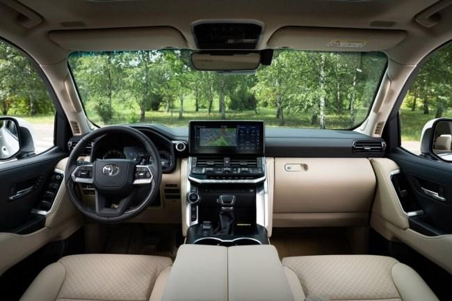 Культ личности. Toyota Land Cruiser 300. Toyota Land Cruiser 300