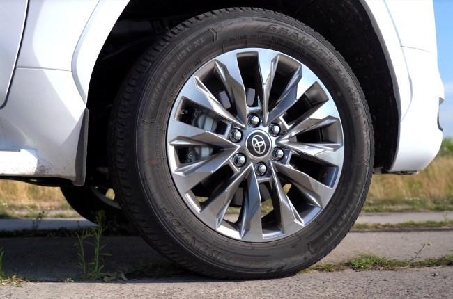 Toyota Land Cruiser 300 колеса