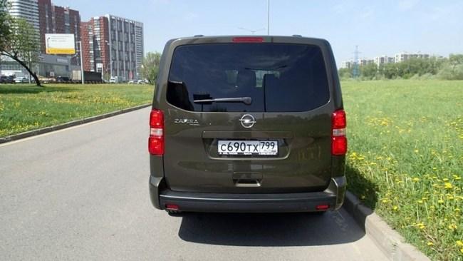 Почему микроавтобус лучше кроссовера: Opel Zafira Life. Opel Zafira Life