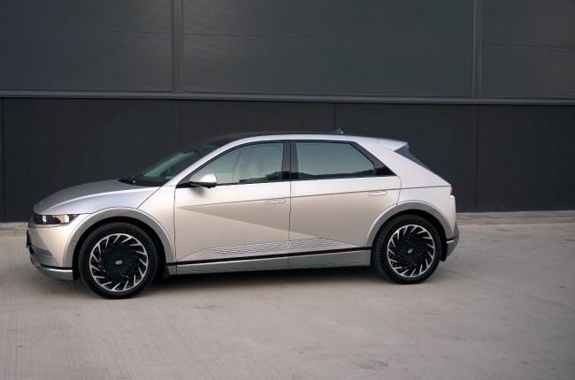 Hyundai IONIQ 5 вид сбоку