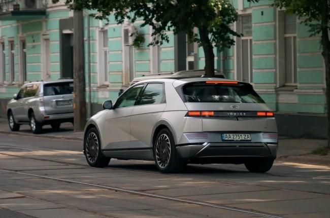Hyundai IONIQ 5 поведения на дороге