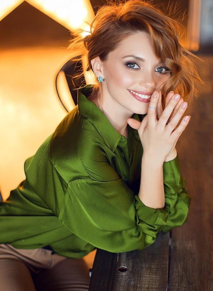 «Еще не замужем»: очаровательные и свободные актрисы телесериала «Кухня»