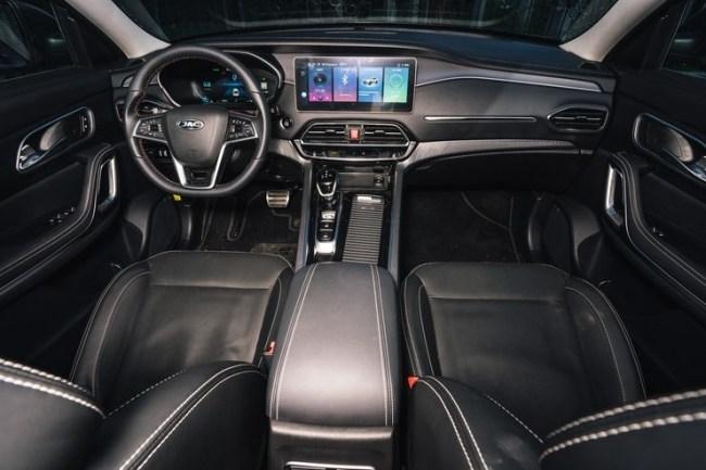 Maserati по-китайски: JAC S7. JAC S7