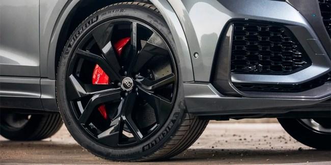 Скромность не украшает. Audi RS Q8. Audi RS Q8 (4M)