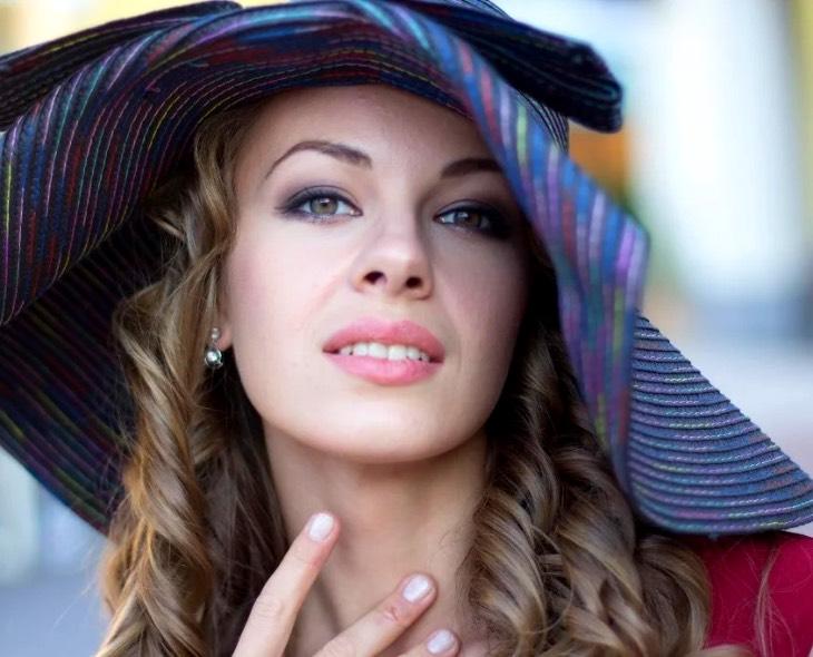 46402 Олеся Фаттахова: сначала родила, а потом вышла замуж за отца своего ребенка
