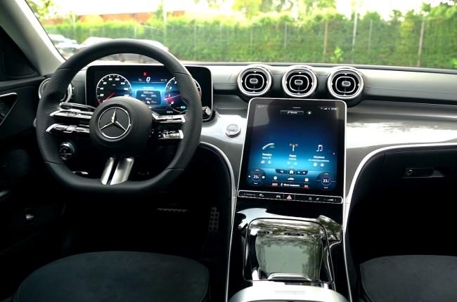 Mercedes-Benz C-Class салон