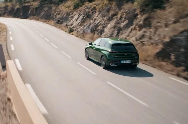 Peugeot 308 в движении