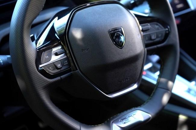 Peugeot 308 руль